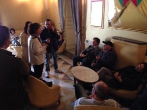 lavoratori e autisti SCAT con la presidente Roberta Leonardi in comune