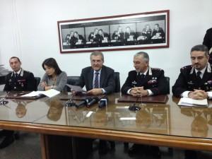 La conferenza stampa, da sx (Proc. agg. Lia Sava, Proc. Sergio Lari, Col. De Quarto)