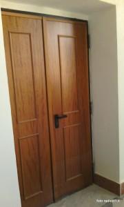 La porta che mette in comunicazione la Biblioteca con l'Istituto Bellini.