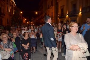 Corrado in mezzo al pubblico (2)