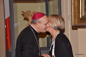 Il Vescovo Mario Russotto con l'avv. Marilia Turco (8)