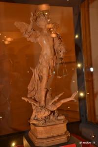 La statuetta di San Michele restaurata