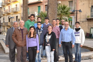 I professori e gli alunni dell'Istituto Agrario, con l'assessore Marina Castiglione
