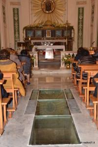 La cripta visibile attraverso il vetro blindato (2)