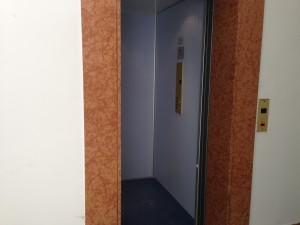 l'ascensore in funzione