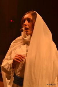 Alessia Diliberto nei panni della Madonna
