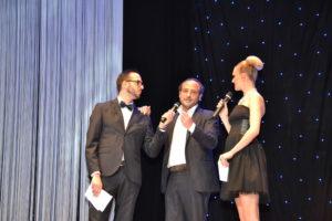 Ernesto Trapanese, il patron dell'evento Massimo Pastorello e la bella presentatrice Sofia Bruscoli