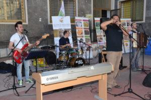 I pupi di surfaru. Basso Giuseppe Sferrazza,batteria Pietro Amico,fisarmonica Lorenzo Profita, voce Totò Nocera