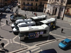 bus scat in piazza Garibaldi