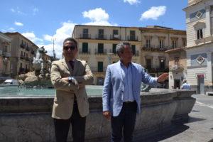 Il direttore di Caltaqua, Salvatore Guarino con il sindaco Giovanni Ruvolo