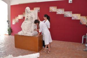 pulizia della scultura