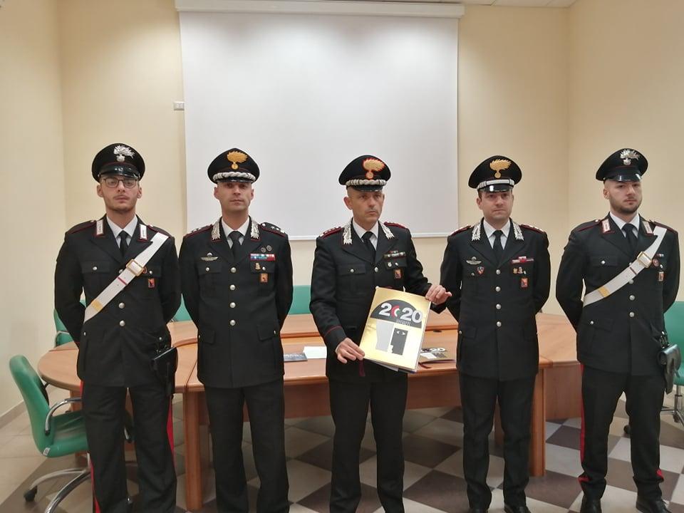 A Caltanissetta presentato il calendario 2020 dei carabinieri: i testi sono stati scritti da Margaret Mazzantini - Radio CL1