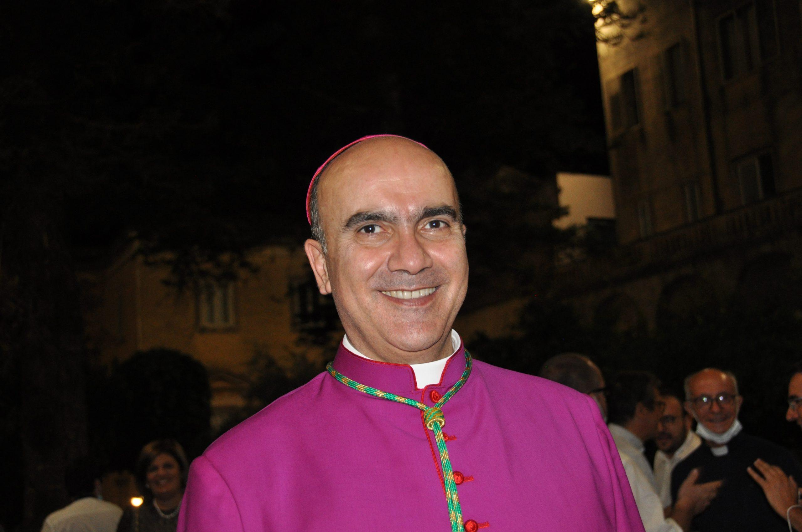Il vescovo La Placa torna in Cattedrale. Celebrerà venerdì con monsignor Russotto DSC_0435-scaled